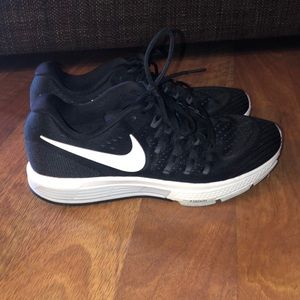 Nike Zoom Black and White Running Shoes